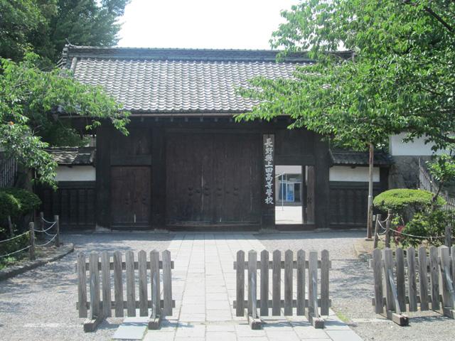 長野県上田高校【学校紹介/古城の門】
